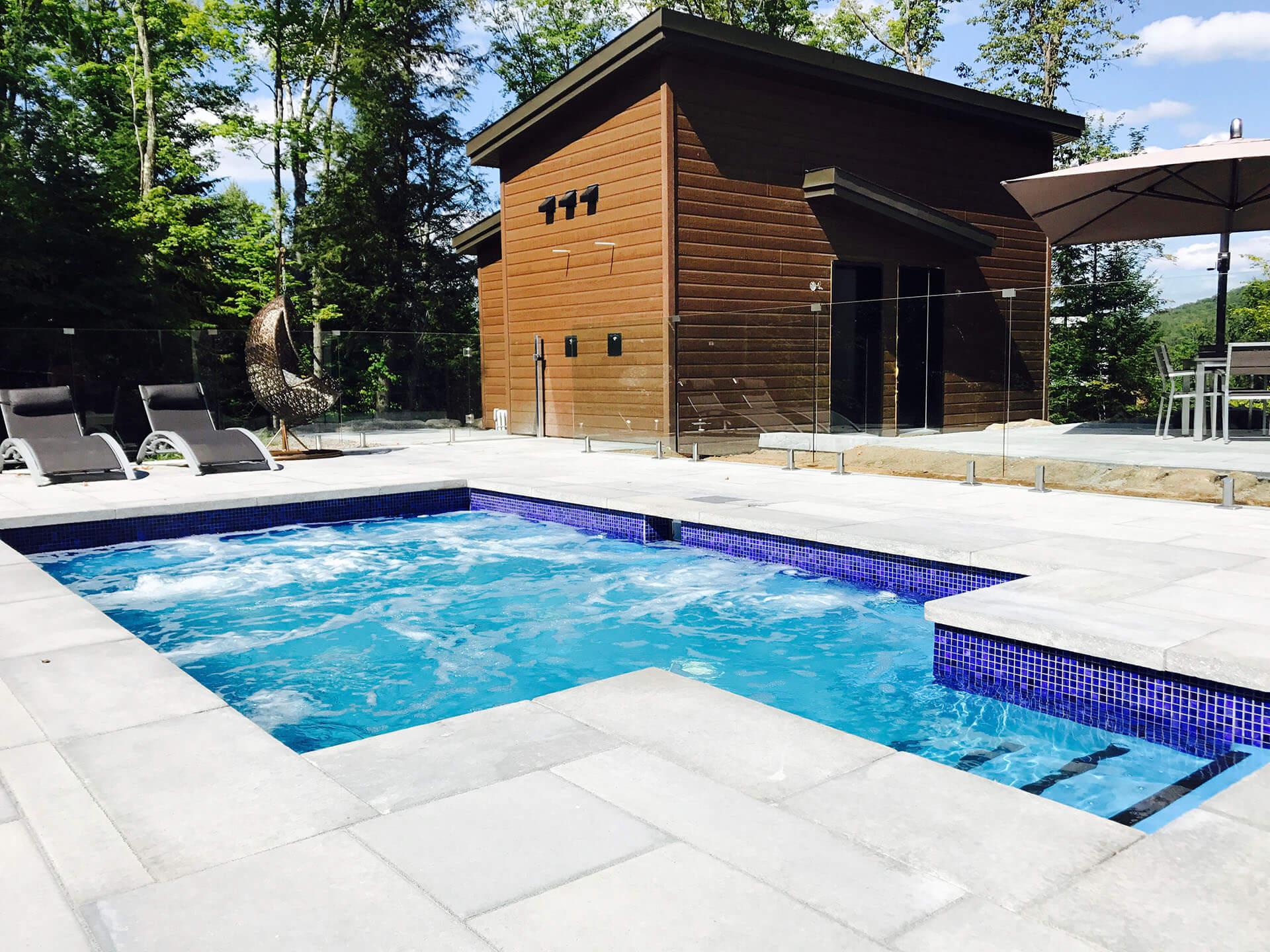 Cloture pour piscine finest barrire de piscine filet with - Cloture de piscine moderne boulogne billancourt ...